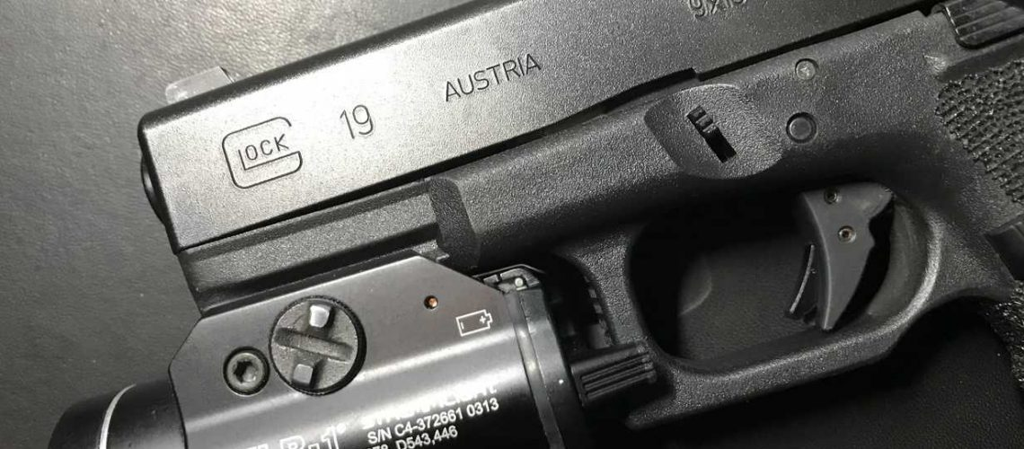 Glock 19 with Streamlight 69260